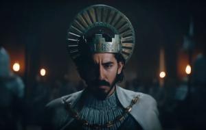 """""""The Green Knight"""", filme estrelado por Dev Patel, ganha primeiro trailer"""