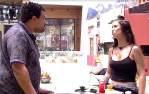 BBB20: Babu treta com Bianca após vê-la mexer em comida feita apenas para ele, Felipe e Lucas