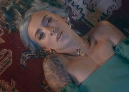 """Samantha Machado se transforma em sereia no clipe de """"Pirata"""""""
