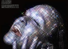 "Alanis Morissette tá toda brilhosa na capa de seu novo álbum, ""Such Pretty Forks In The Road"""