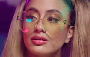 """Ally Brooke lança single com sample de """"Lady Marmalade""""; ouça """"Fabulous""""!"""