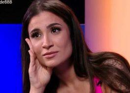 """Bianca vê vídeos do BBB20 e desabafa: """"Não tenho mais namorado, eu acho"""""""