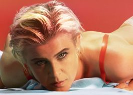 "Robyn lança remix de ""Send To Robin Immediately"" para comemorar dois anos do álbum ""Honey"""