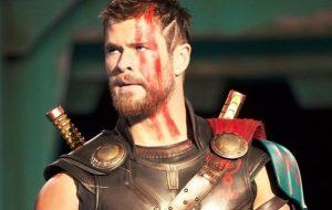 """""""Thor: Amor e Trovão"""" contrata roteirista do filme """"Alguém Especial"""", da Netflix"""