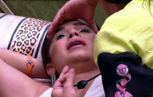BBB20: Gizelly chora no colo da Ivy após desentendimentos com Prior, Marcela e Thelma