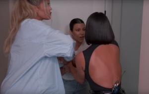 """Após briga com Kim, Kourtney Kardashian diz que vai sair de """"Keeping Up"""""""