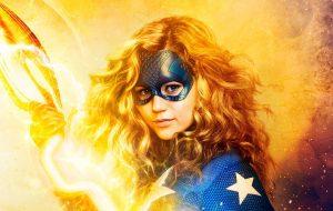 """""""Stargirl"""", nova série do DC Universe, ganha dois cartazes poderosos"""