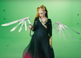 Grimes lança vídeo com chroma key para que fãs façam suas próprias versões
