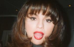 """Selena Gomez divulga trecho de música inédita; versão deluxe de """"Rare"""" chega no dia 9"""