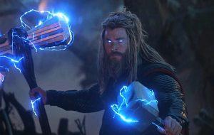 """""""Um dos melhores roteiros que li em anos"""", diz Chris Hemsworth sobre """"Thor 4"""""""