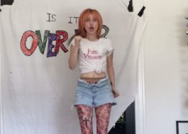 "Hayley Williams se exercita ao som de ""Over Yet"" em novo vídeo"