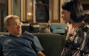 "Christoph Waltz diz que toparia participar de sequência de ""Alita: Anjo de Combate"""