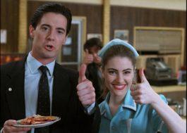 """Kyle MacLachlan e Mädchen Amick celebram os 30 anos de """"Twin Peaks"""" em live"""