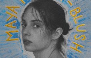 "Maya Hawke, a Robin de ""Stranger Things"", lança ""Coverage"""