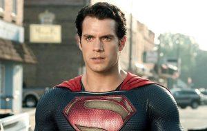 Henry Cavill está em negociações para retornar como Superman em novo filme da DC