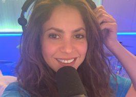 Shakira compartilha foto no estúdio e diz trabalhar em novas músicas