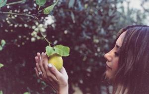 """""""Lemons"""": Ashley Tisdale divulga data de lançamento de novo single"""