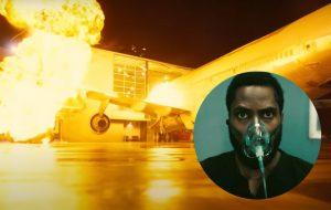 """John David Washington diz que avião realmente foi colidido em prédio para o filme """"Tenet"""""""