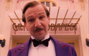 """Ralph Fiennes interpretará diretora Trunchbull em nova adaptação de """"Matilda"""""""