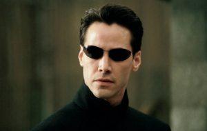 """Keanu Reeves elogia roteiro de """"Matrix 4"""": """"Uma história maravilhosa que ressoou em mim"""""""