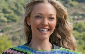 """Amanda Seyfried fala sobre possibilidade de """"Mamma Mia 3"""": """"Todos diriam sim em um segundo"""""""
