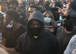 Após doação a famílias negras, Kanye West participa de manifestação antirracista