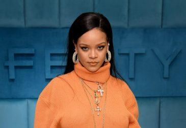Sapatos e skincare de Rihanna