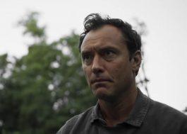 """Jude Law está em negociações para interpretar Capitão Gancho em live-action de """"Peter Pan"""""""