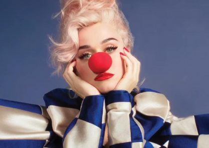 "Katy Perry mostra capa do álbum ""Smile"""