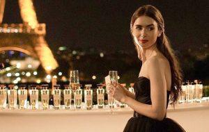 """Netflix libera primeiras imagens da série """"Emily In Paris"""", estrelada por Lily Collins"""