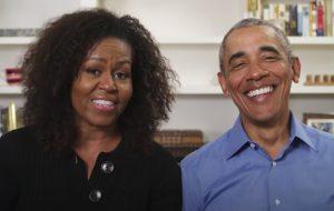Michelle Obama vai entrevistar Barack no 1º episódio do próprio podcast