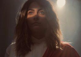 """Abaixo-assinado quer barrar lançamento de """"Habit"""", filme com Paris Jackson no papel de Jesus Cristo"""