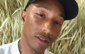 """Voices of Fire"", nova série da Netflix, mostrará Pharrell Williams criando um coral gospel"