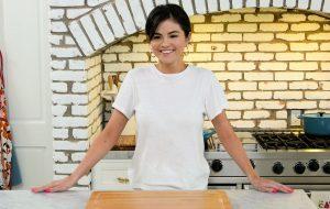 Série de culinária com Selena Gomez é renovada para 2ª temporada