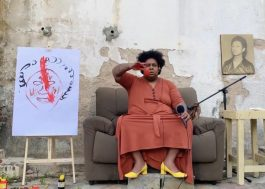 """Em casa, Jup do Bairro arrasa em produção intimista ao cantar """"Luta Por Mim"""""""