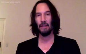 """Keanu Reeves elogia protocolos de segurança do set de gravações de """"Matrix 4"""""""