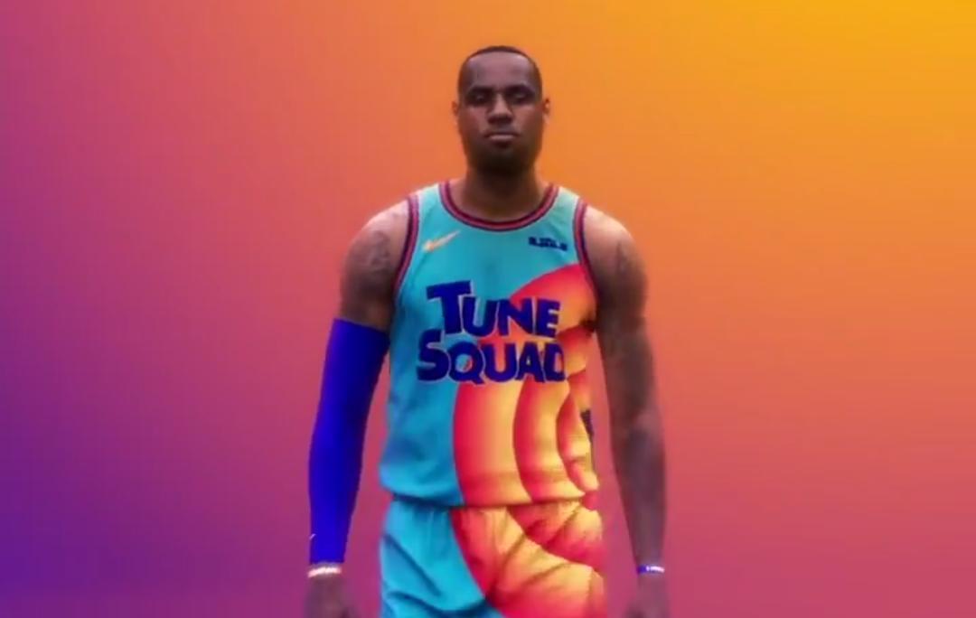 """Em novo vídeo, LeBron James mostra uniforme do filme """"Space Jam 2"""""""