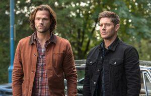 """Criador de """"Supernatural"""" celebra último dia de gravações da série nas redes sociais"""