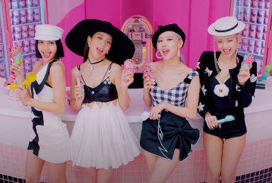 Integrantes do BLACKPINK em cena do clipe da música 'Ice Cream' (Foto: Reprodução)