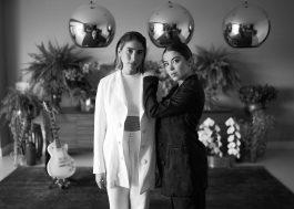 """Duo Clara x Sofia faz apresentação intimista no """"Vevo DSCVR At Home"""""""