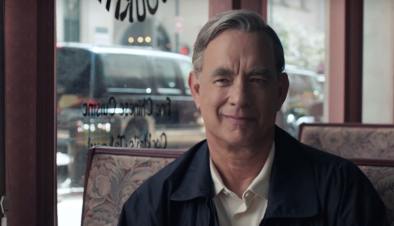 "Tom Hanks no filme ""A Beautiful Day in the Neighborhood"" (Reprodução)"
