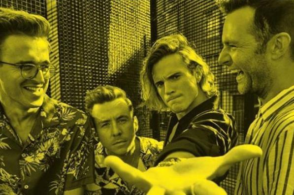 McFly em foto promocional da próxima turnê no Brasil (Divulgação)