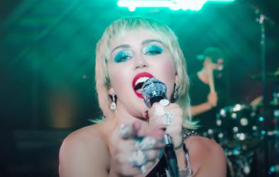 """Miley Cyrus no programa 'The Tonight Show"""" (Reprodução)"""