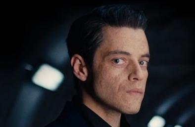 """Rami Malek em cena de """"007: Sem Tempo Para Morrer"""" (Reprodução)"""