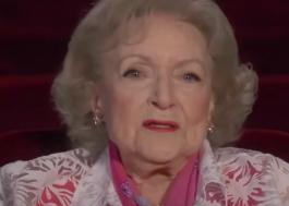 Betty White celebra 99 anos de vida com muito humor e positividade