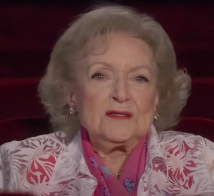 Betty White celebra 99 anos de vida