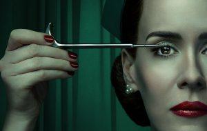 """Sarah Paulson divulga pôster inédito de """"Ratched"""", nova série da Netflix"""