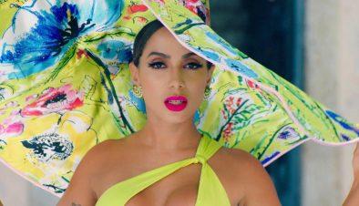 """Anitta em ensaio promocional de """"Me Gusta"""" (Divulgação)"""