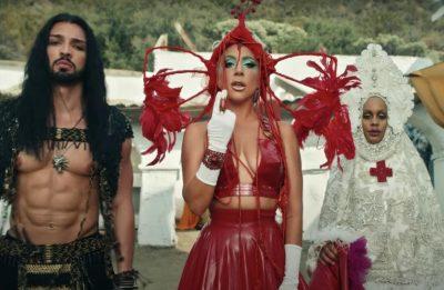 """Sia Zami, Lady Gaga e Nicole Montgomery no clipe de """"911"""" (Reprodução)"""