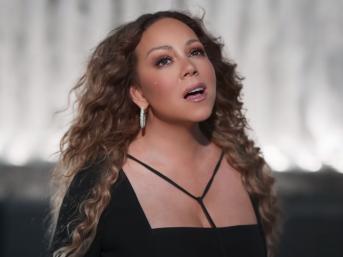 """Mariah Carey durante a performance de """"Save The Day"""" (Foto: Reprodução)"""